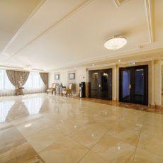 12 Холл Гостиницы
