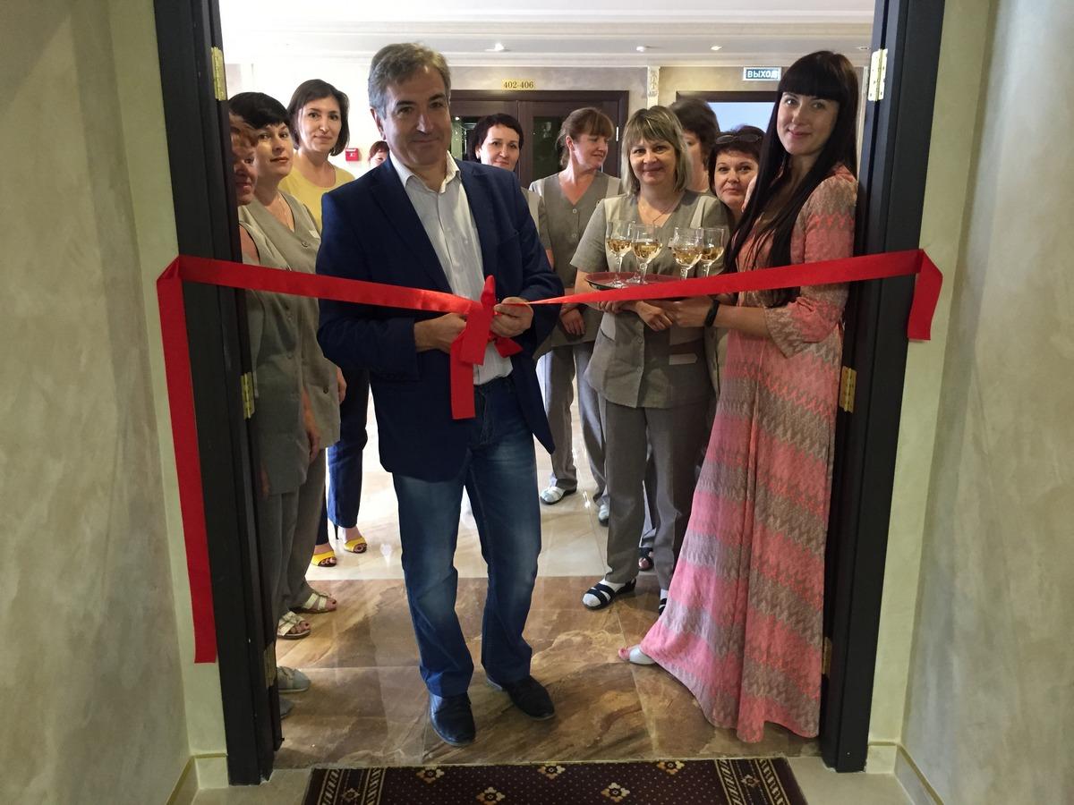 Торжественное открытие очередного отреставрированного этажа гостиницы «Барнаул»